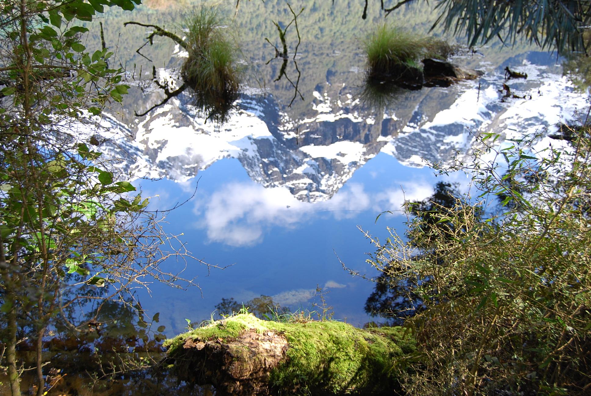2011-09-23-New-Zealand-Mirror-Mountains-DSC_9634