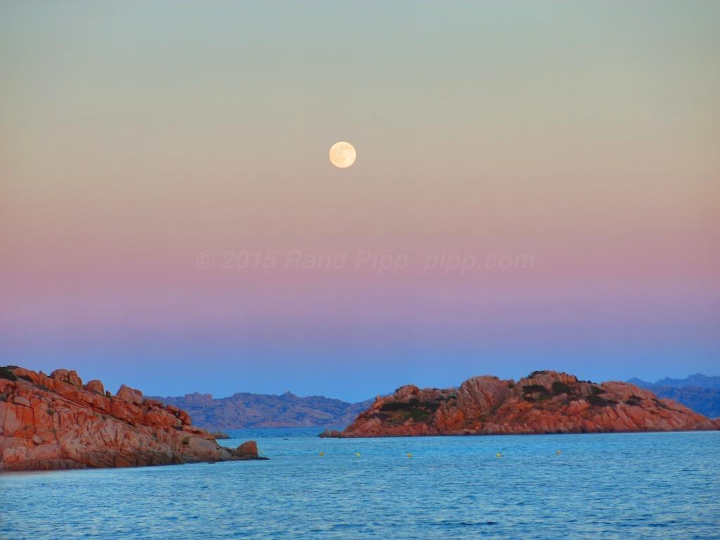 Italy-Sardinia-Magdelana-Moonset-over-Sardinia-2015-07-01-1024